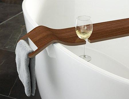 badewannenbr cke zu freistehende badewanne f r ein. Black Bedroom Furniture Sets. Home Design Ideas