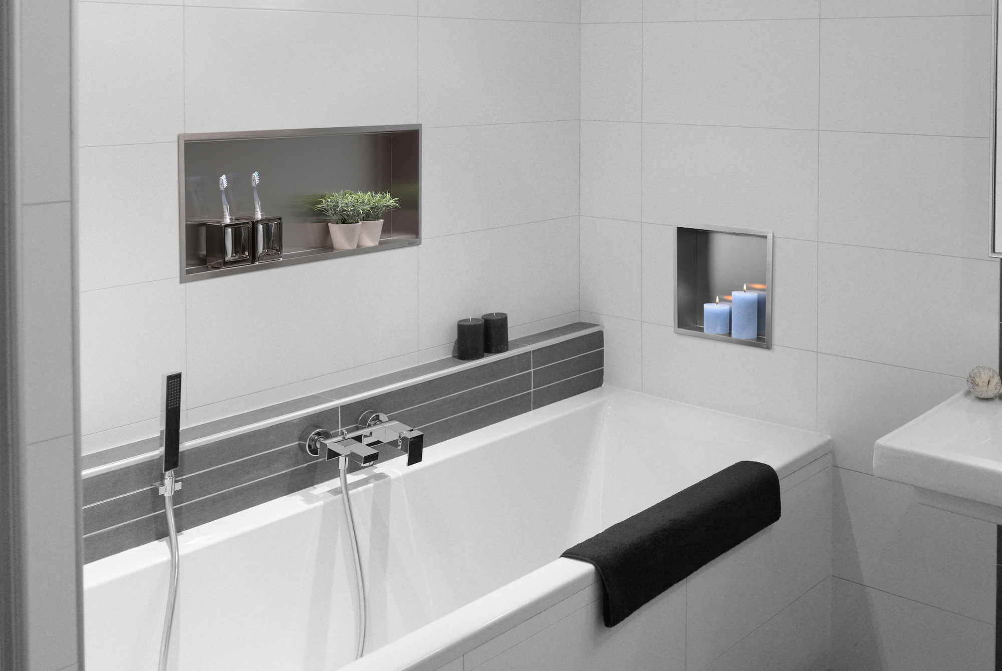 Wandnische bei Badewanne; Nische in Wand Badezimmer - edlesbad.ch